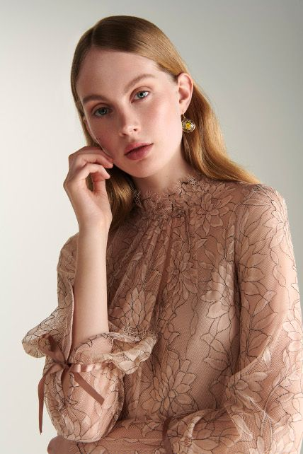 180404 Amazon Fashion präsentiert neue Occasionwear Brand Truth and Fable