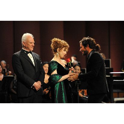 150504_PIV_Amazon_Originals_Mozart_in_the_Jungle_9_MacDowell_Peters_Bernal__c__2014_Amazon.com_Inc.__or_its_affiliates.jpg